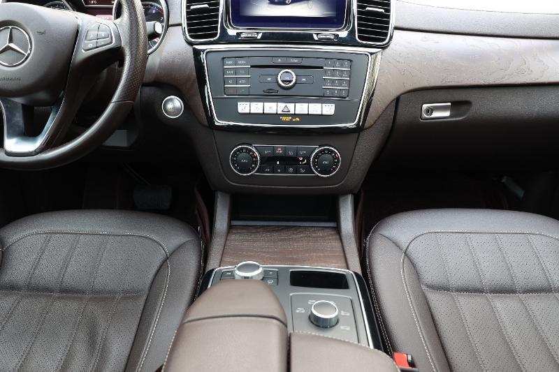 奔驰 奔驰GLE  2016款 GLE 320 4MATIC 豪华型图片