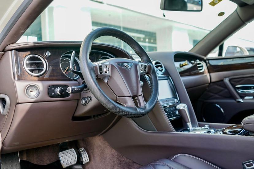 宾利 飞驰  2016款 4.0T V8 标准版图片