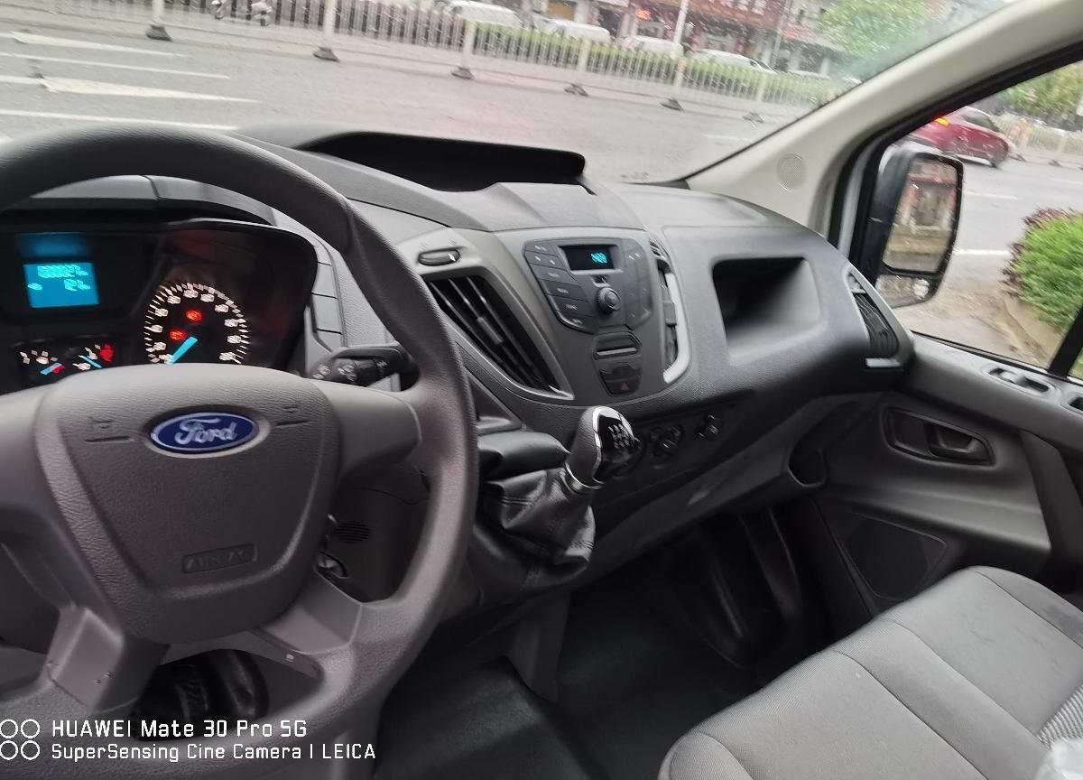 福特 全顺  2019款 2.0T柴油厢式运输车短轴低顶3座国VI图片