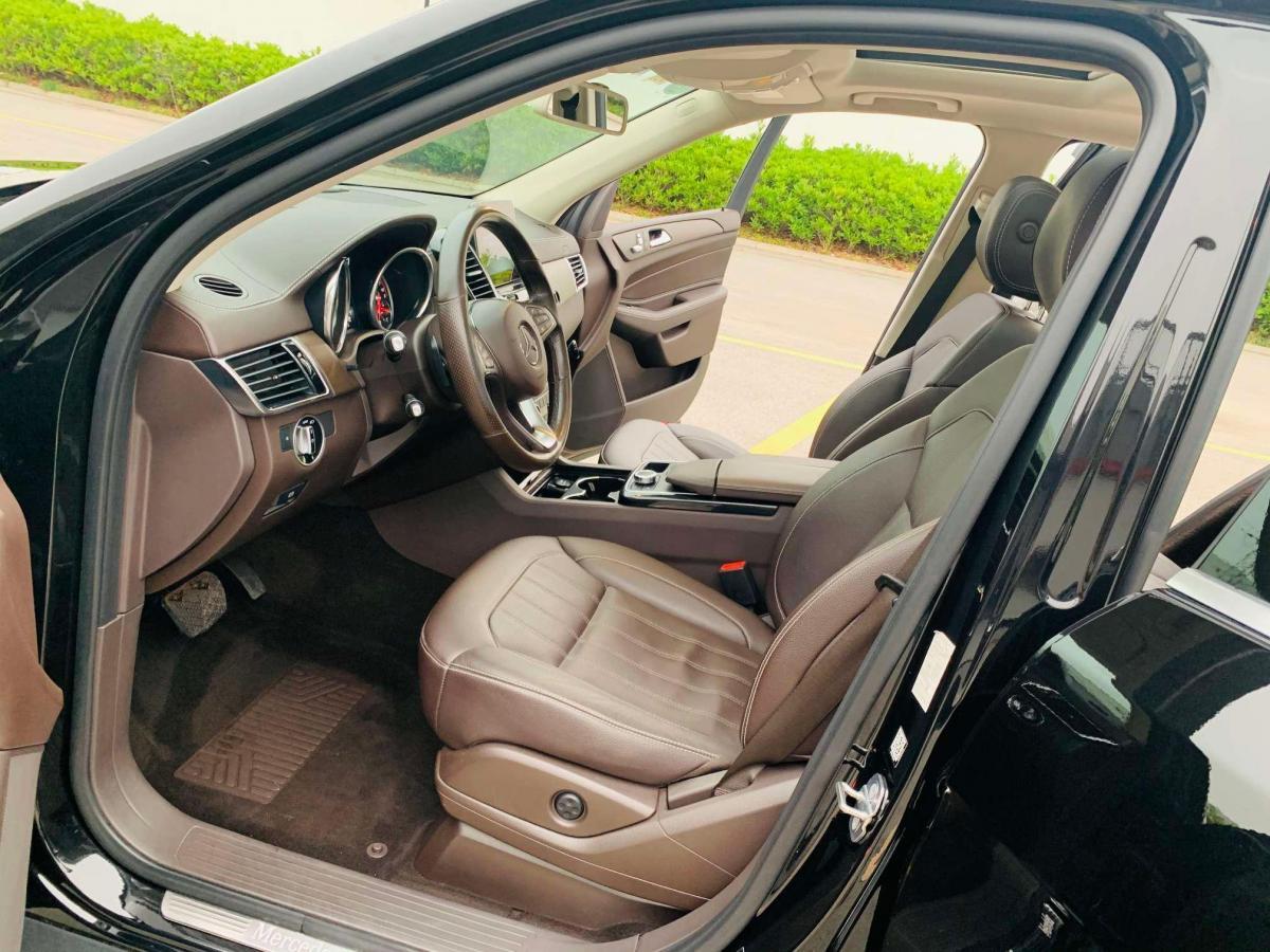 奔驰 奔驰GLE  2017款 GLE 320 4MATIC 豪华型图片