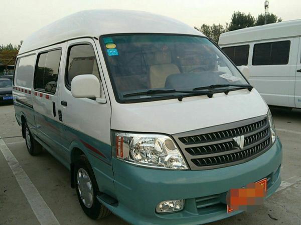 【郑州】2012年1月 福田 风景 爱尔法-快运 2.0t 柴油版 9座 自动档