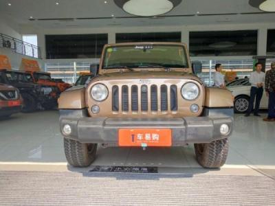 Jeep 牧马人  2.8T 四门 柴油版图片