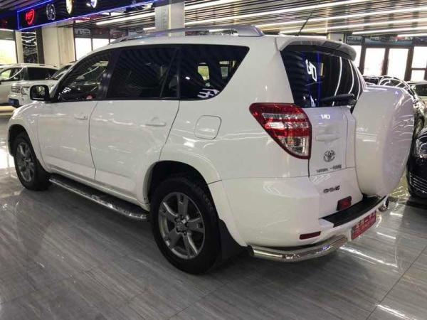 丰田 RAV4  2012款 2.0L 炫?#38797;?#22235;驱图片