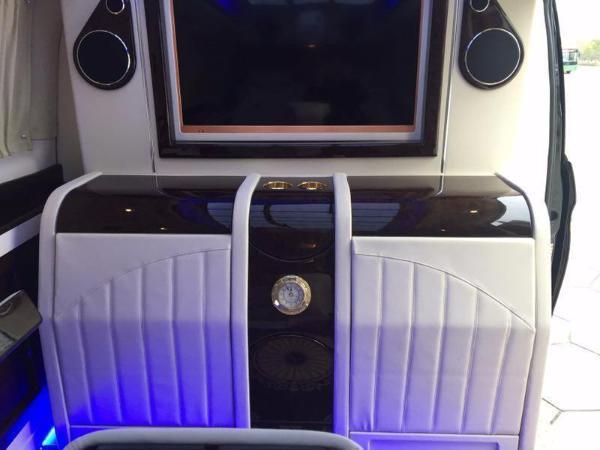 奔驰 V级  V260 2.0T 尊贵版图片