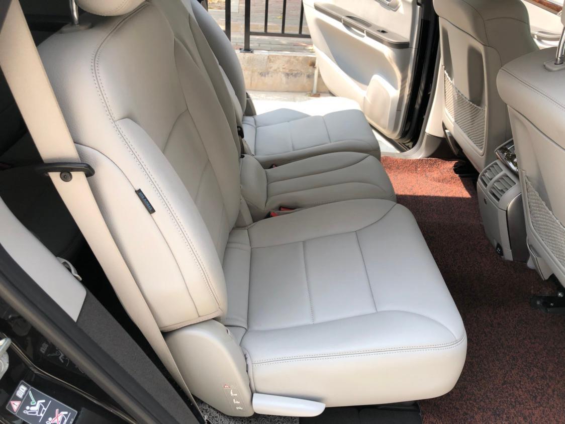 奔驰 奔驰R级  2011款 R300 3.0L 商务型图片