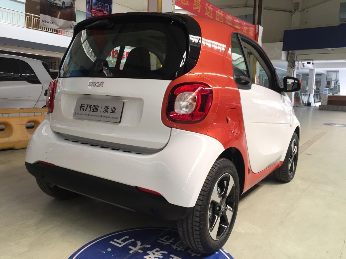 smart fortwo  2018款 1.0L 52千瓦硬顶激情版图片