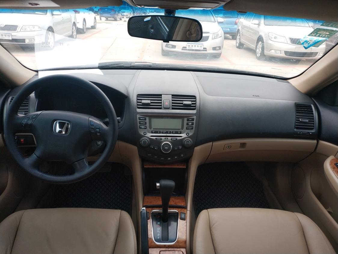 本田 雅阁  2005款 2.4L 加热版图片