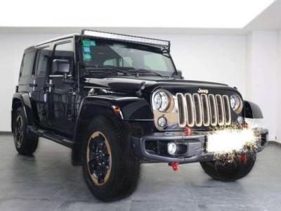Jeep 牧马人  3.6L 四门 龙腾典藏版