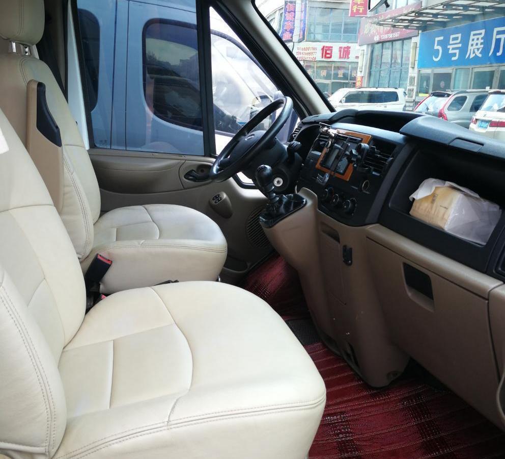 福特 新世代全顺  2013款 2.4T柴油标准型长轴高顶国IV图片