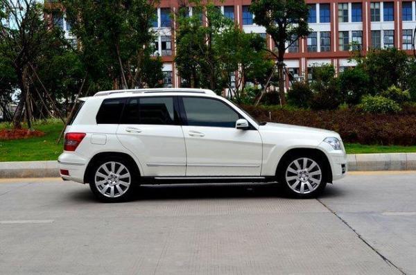 奔驰glk300价格_【厦门】2010年9月 奔驰 glk级 glk300 3.0 四驱豪华型 白色 自动档
