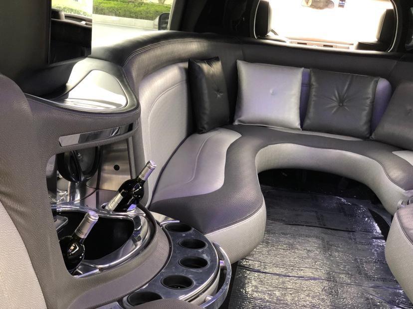 2010款  悍马加长版200英寸加长豪华礼车图片