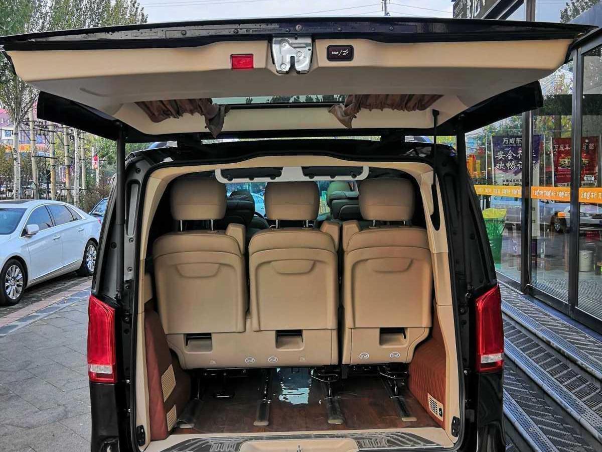 奔驰 V级  2018款 V 260 L 尊贵加长版图片