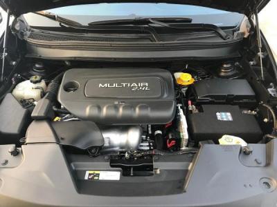 Jeep 自由光  2.4L 精锐版