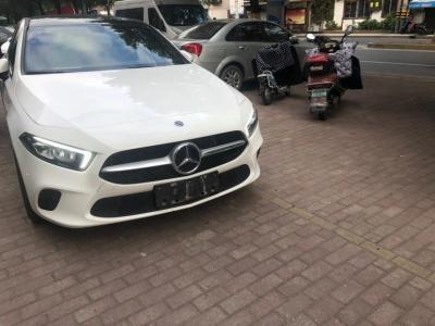 奔驰 奔驰A级  2019款 A 200 L 运动轿车
