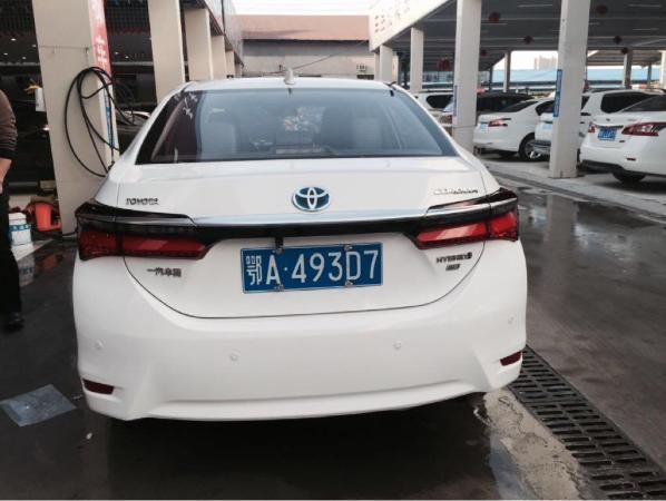 【武汉】2016年5月 丰田 卡罗拉 双擎 1.8 精英版 白色 自动档