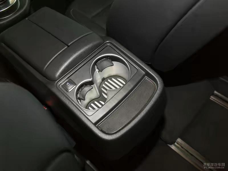 奔驰 V级  2018款 V 260 AMG 运动版图片