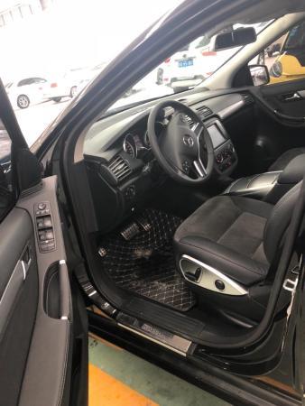 奔驰 奔驰R级  2015款 R320 4MATIC 3.0T 豪华型图片