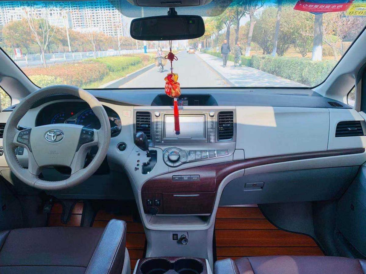 丰田 塞纳  2011款 3.5L 两驱自动型图片