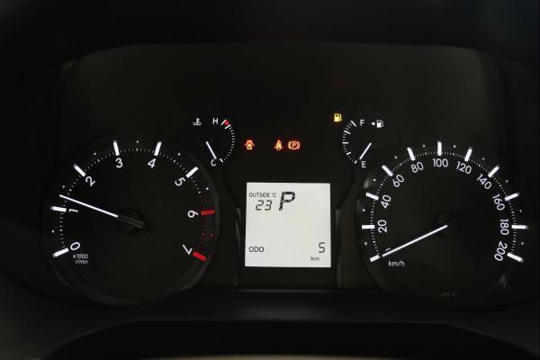 丰田 普拉多  2.7 VXR 中东版图片