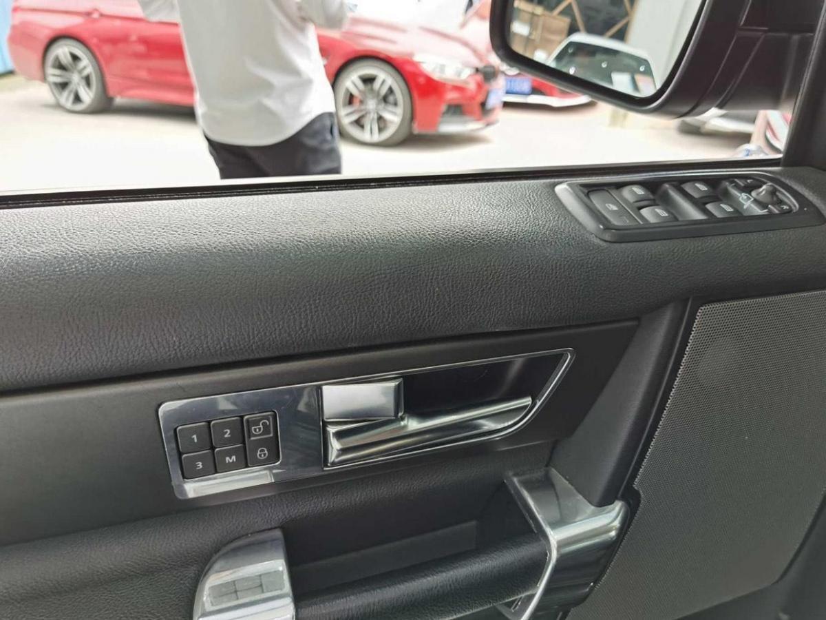路虎 发现  2014款 3.0 SDV6 HSE 柴油版图片