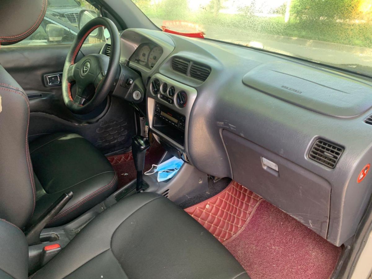 丰田 特锐  2004款 1.3L 自动两驱豪华型图片