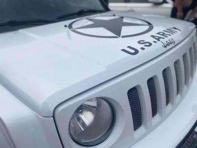 Jeep 自由客  2013款 2.4 豪华导航版图片