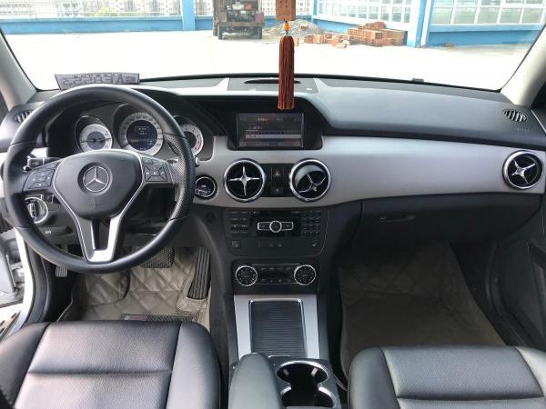 奔驰 GLK级  GLK300 3.0L 4MATIC 时尚型图片