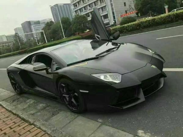 【北京】2012年4月 兰博基尼 埃文塔多 lp700-4 6.5 黑色 手自一体