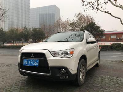 2012年3月 三菱 劲炫 2.0L CVT两驱豪华版图片