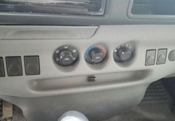 全顺6座柴油车灯光标志图解|