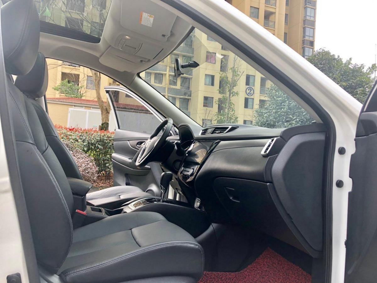 日产 奇骏  2015款 2.0L CVT两驱舒适MAX版图片