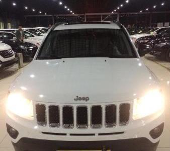 Jeep 指南者  2.0L CVT手自一体 豪华版 两驱图片
