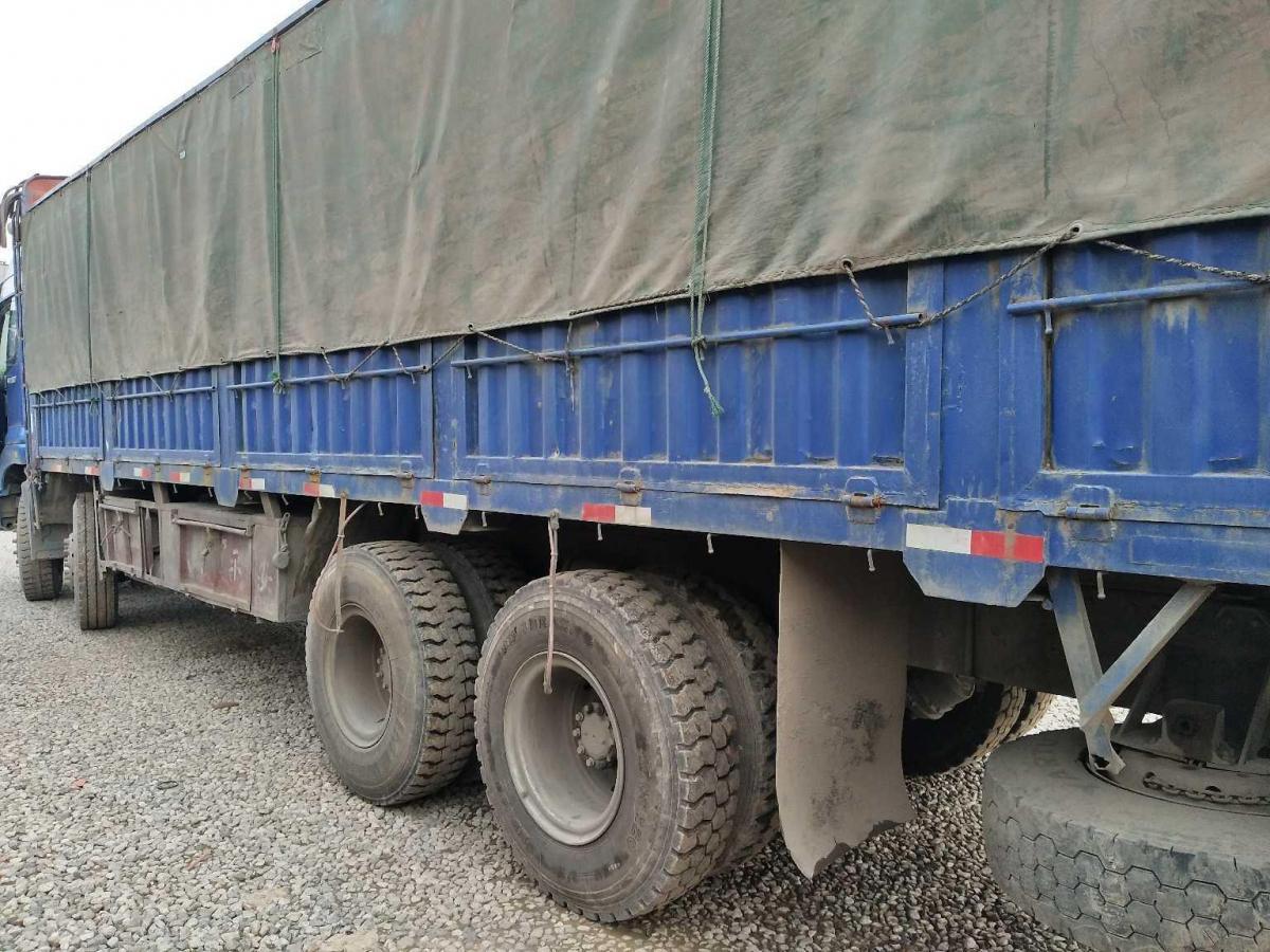 欧曼前四后八货车,国三排放图片