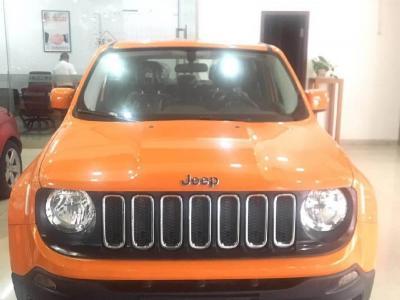 2019年6月 Jeep 自?#19978;? 互联大屏版 180T 手动动能版图片