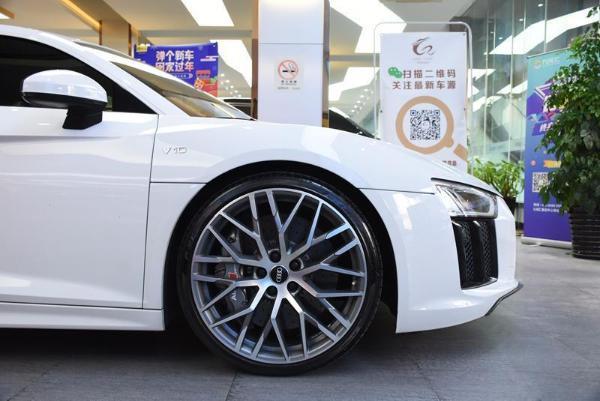 奥迪 奥迪R8  R8 Coupe 5.2 performance图片