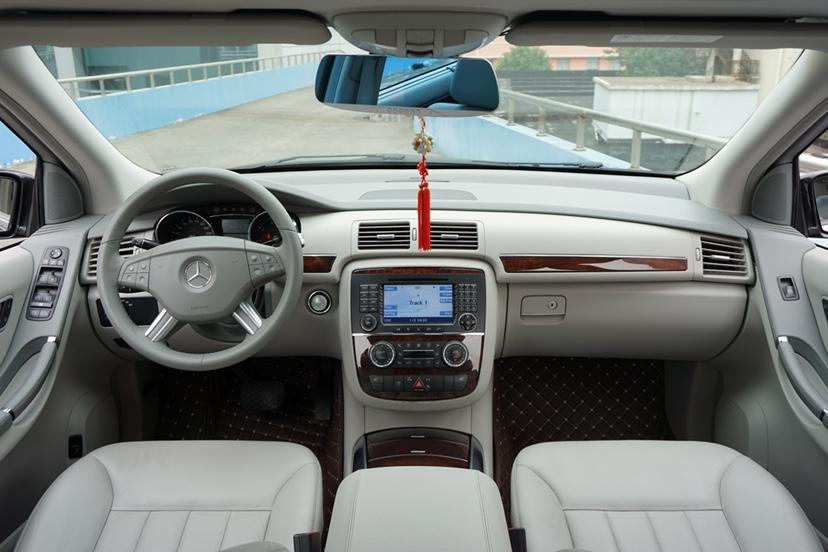奔驰 奔驰R级  2010款 R 500 L 4MATIC图片