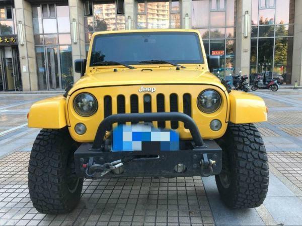 Jeep 牧马人  3.0 四门舒享版 Sahara图片