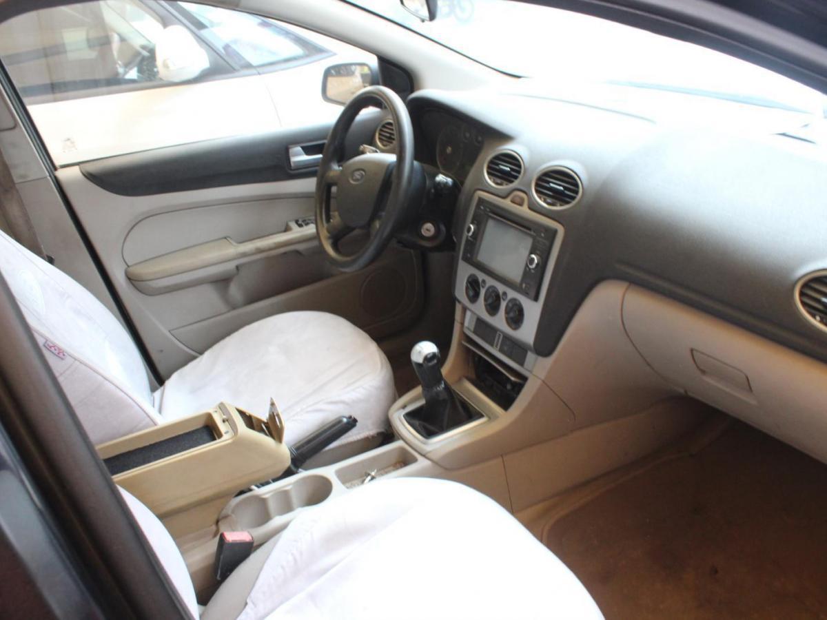 福特 福克斯  2005款 三厢 1.8L 手动经典型图片