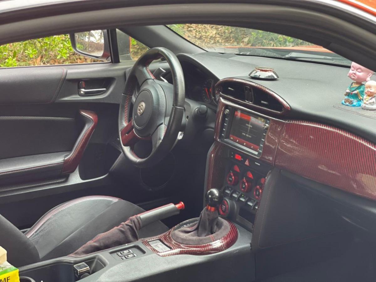 丰田 86  2013款 2.0L 自动豪华型图片