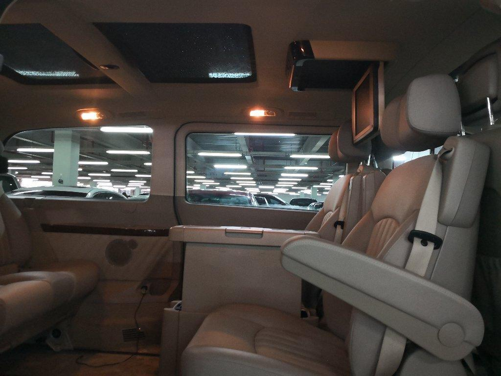 奔驰 唯雅诺  3.0L 领航版图片