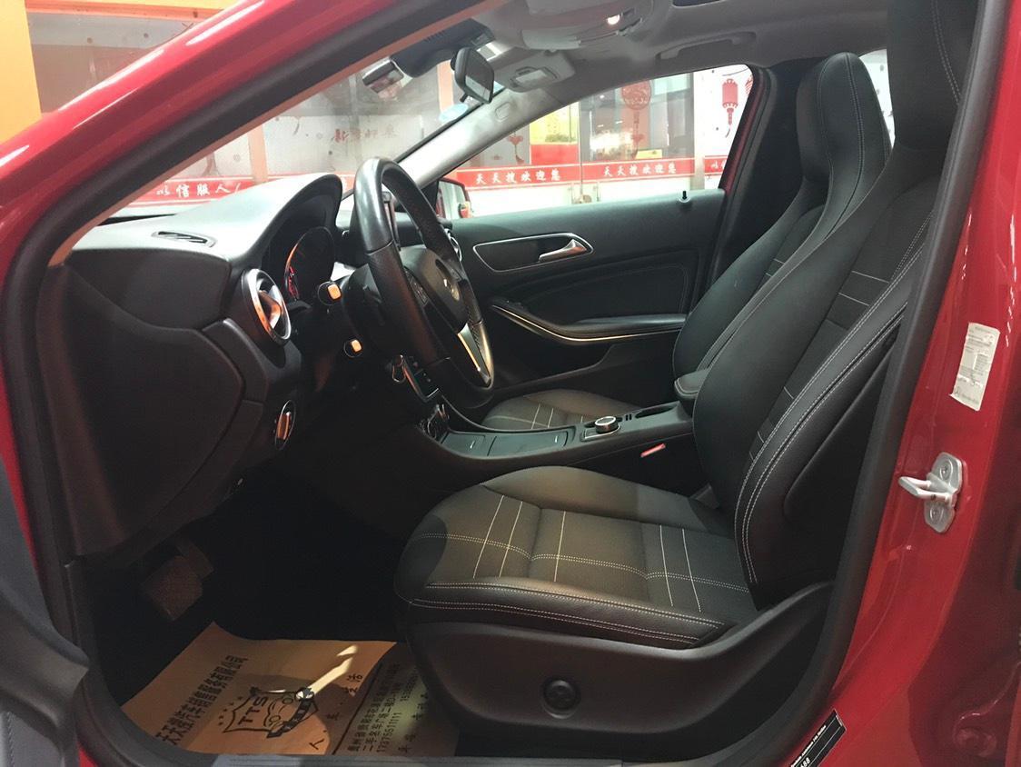 奔驰 GLA级  2015款 GLA200 1.6T图片