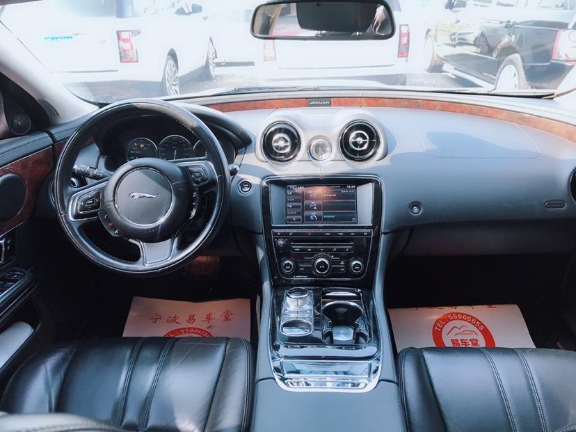 捷豹 XJ  2015款 L 3.0T 四驱全景商务80周年典藏版图片