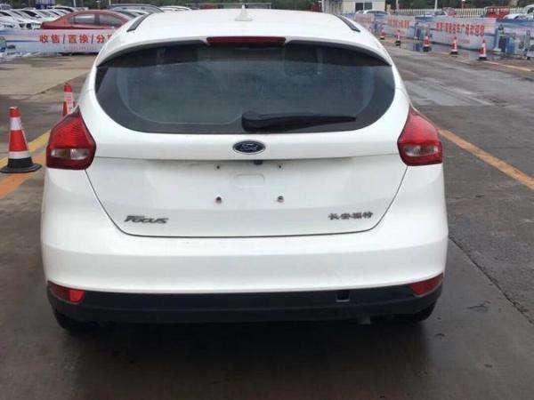 福特 福克斯  2015款 两厢 1.6L 自动舒适型图片
