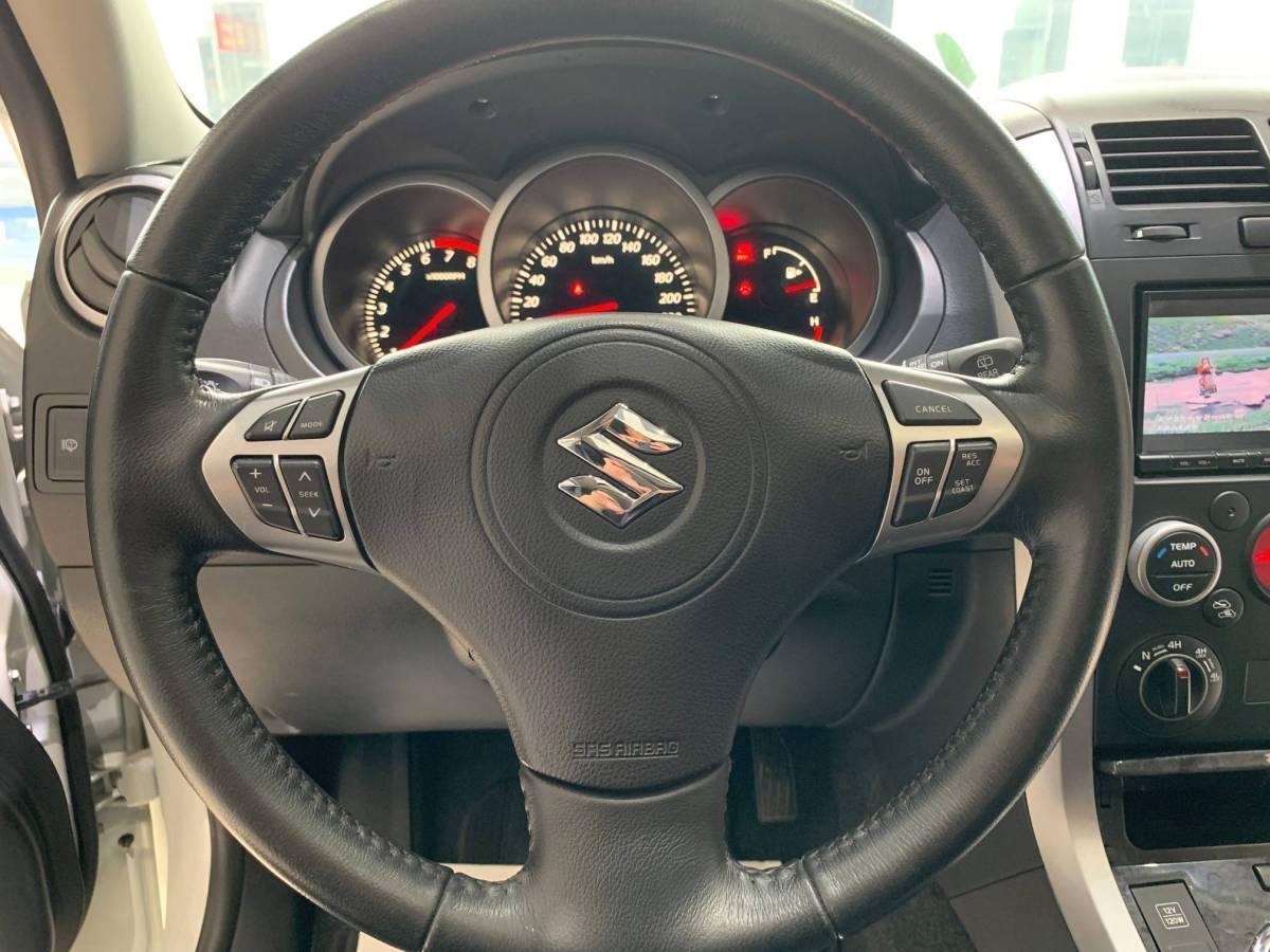 铃木 超级维特拉  2012款 2.4L AT豪华导航5门版图片
