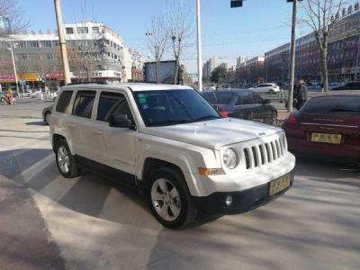 Jeep 自由客  2.4 四驱运动版(改款)图片
