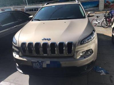 Jeep 自由光  2.4 豪华版图片