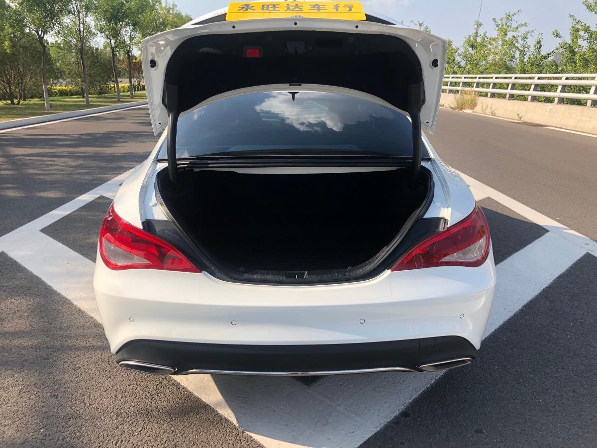 奔驰 奔驰CLA级  2018款 CLA 200 动感型图片