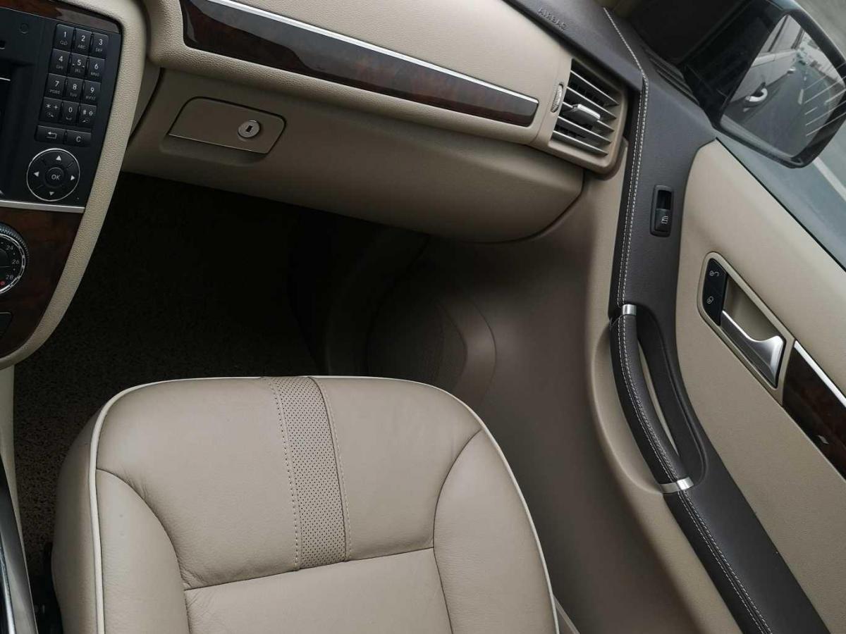 奔馳 奔馳R級  2011款 R 350 L 4MATIC圖片