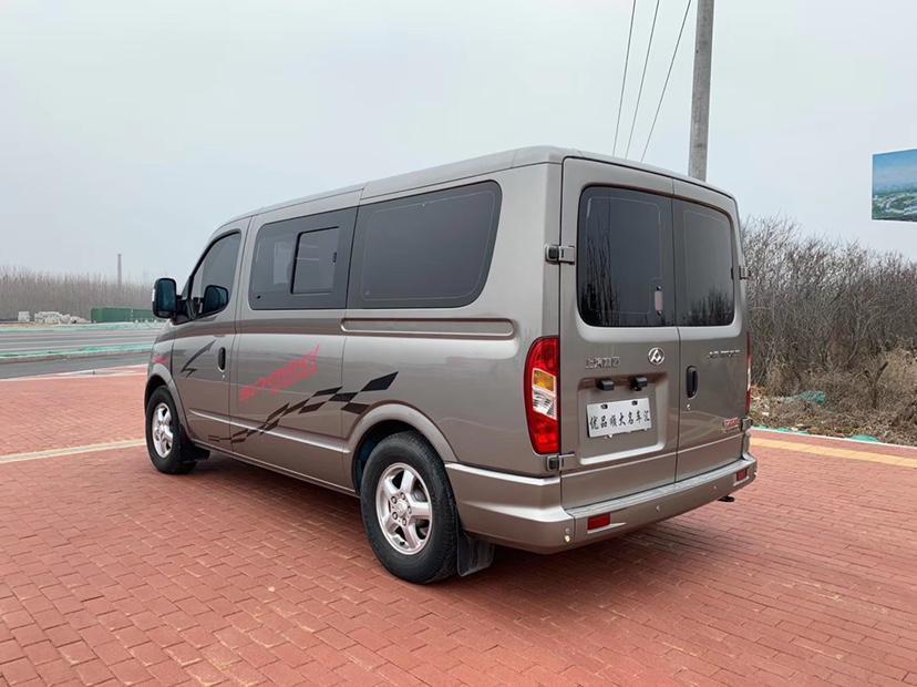 上汽大通MAXUS V80  2018款 2.5T AMT精英版短轴超低顶5-6座图片