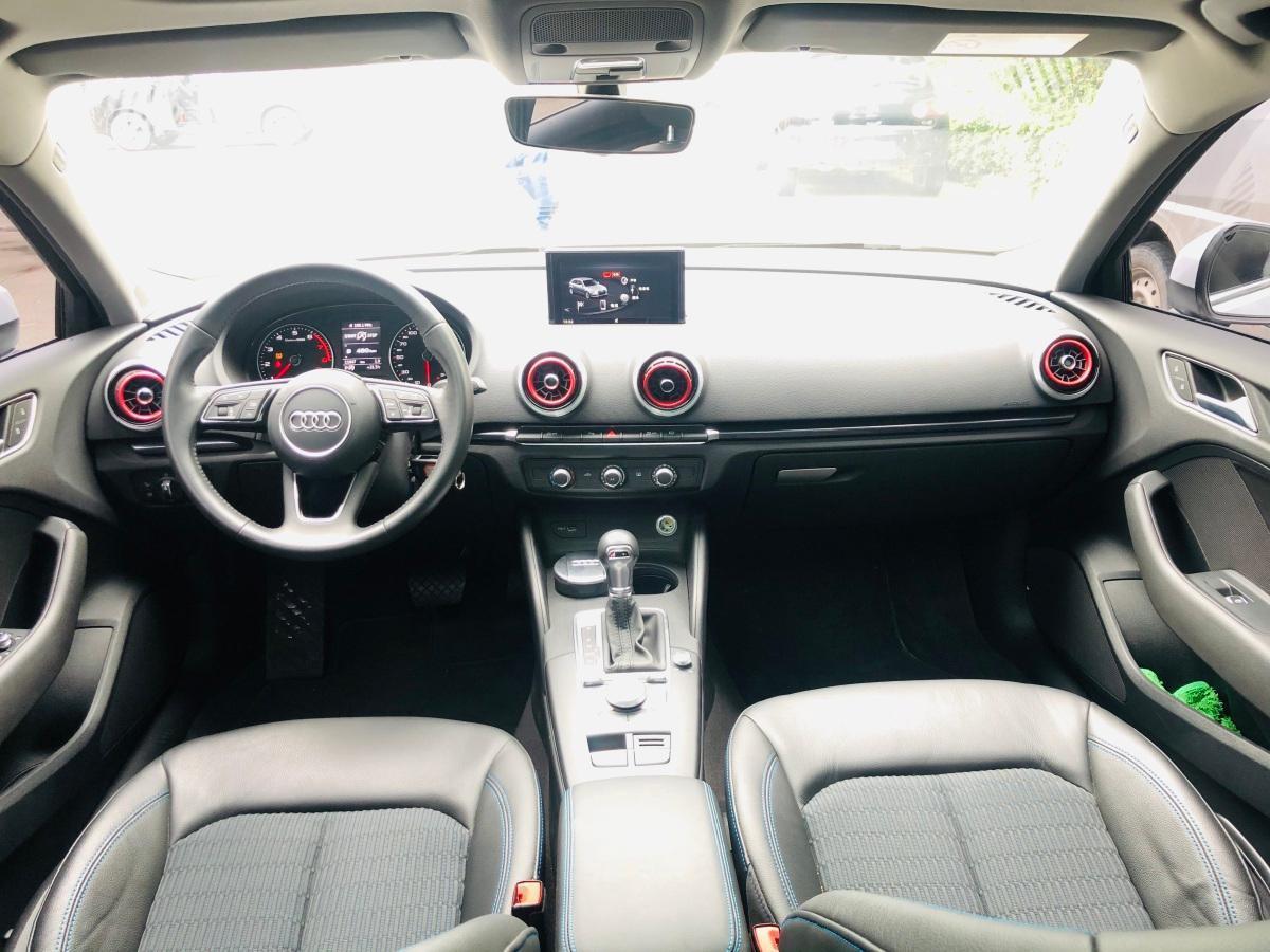 奥迪 奥迪A3  2018款 30周年年型 Sportback 35 TFSI 时尚型图片